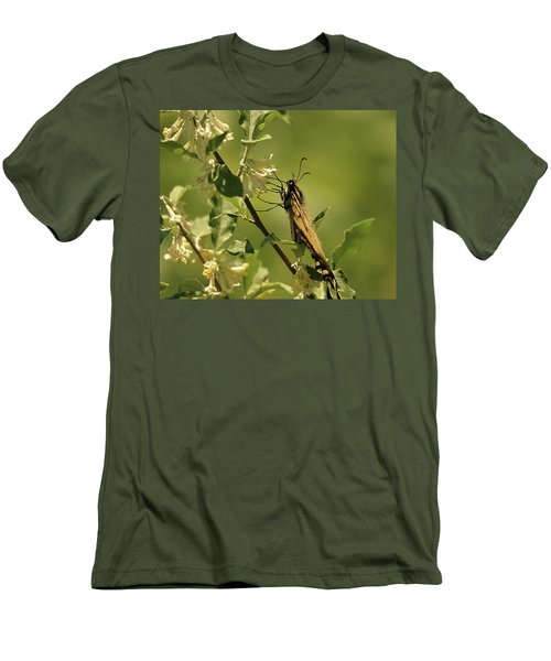 Men's T-Shirt (Slim Fit) featuring the photograph Sipping In The Shade by Susan Capuano