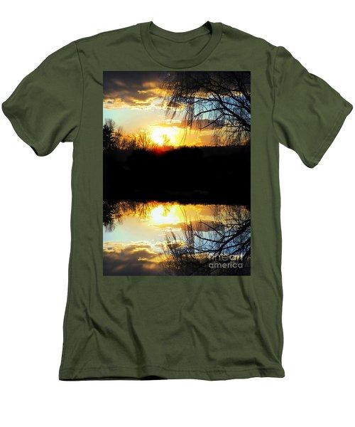Skyfull Men's T-Shirt (Athletic Fit)