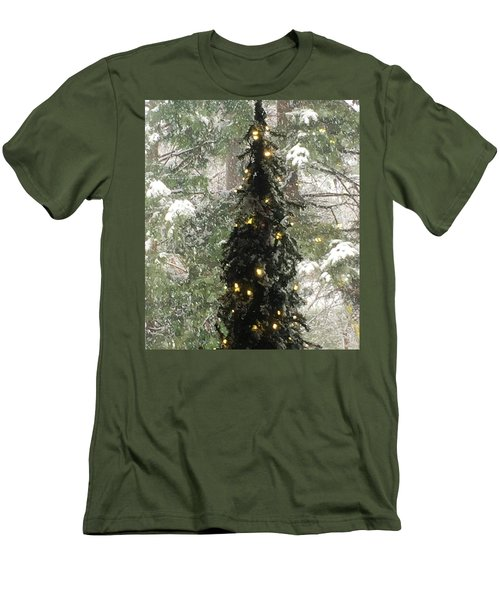 Snowy Christmas Men's T-Shirt (Athletic Fit)
