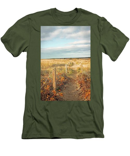 South Cape Beach Trail Men's T-Shirt (Athletic Fit)