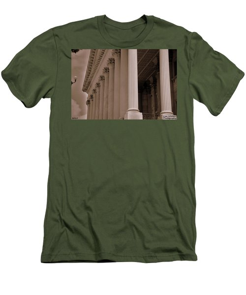 South Carolina State House Columns  Men's T-Shirt (Athletic Fit)
