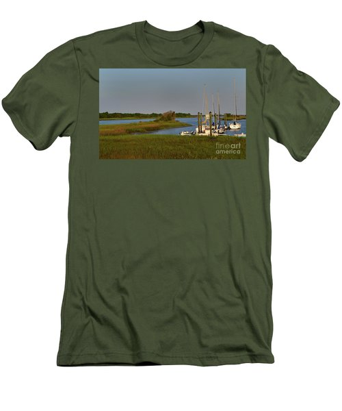 Southport Marina Sunrise Men's T-Shirt (Athletic Fit)