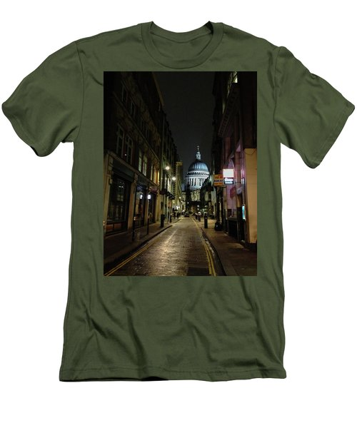 St. Pauls By Night Men's T-Shirt (Athletic Fit)