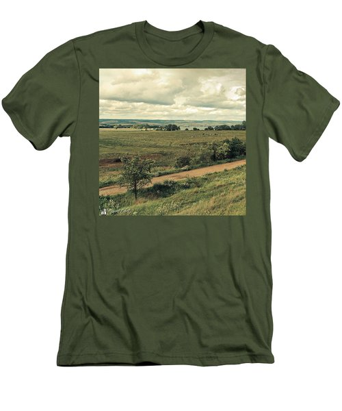 Stausee Kelbra  #nature  #flowers Men's T-Shirt (Slim Fit)