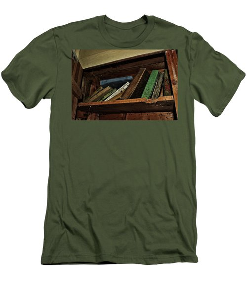 Men's T-Shirt (Slim Fit) featuring the photograph Stay A While And Listen by Ryan Crouse