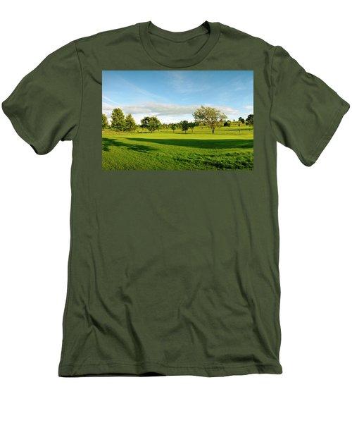 Stirling Golf Club 14th Men's T-Shirt (Slim Fit) by Jan W Faul