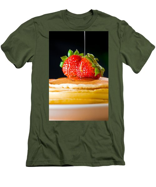 Strawberry Butter Pancake With Honey Maple Sirup Flowing Down Men's T-Shirt (Athletic Fit)