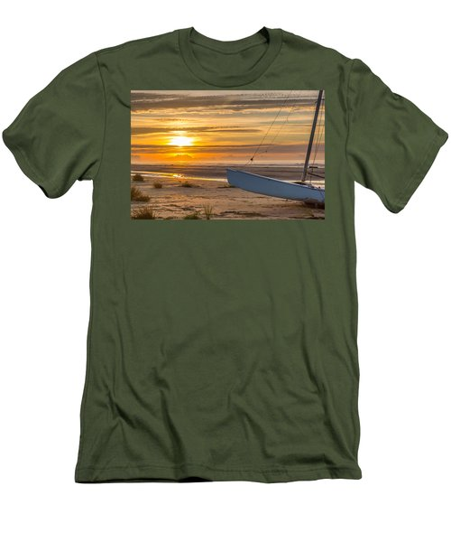 Sullivan's Island Sunrise Men's T-Shirt (Athletic Fit)
