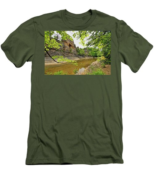 Men's T-Shirt (Slim Fit) featuring the photograph Summer At The Pinnacles by Cricket Hackmann