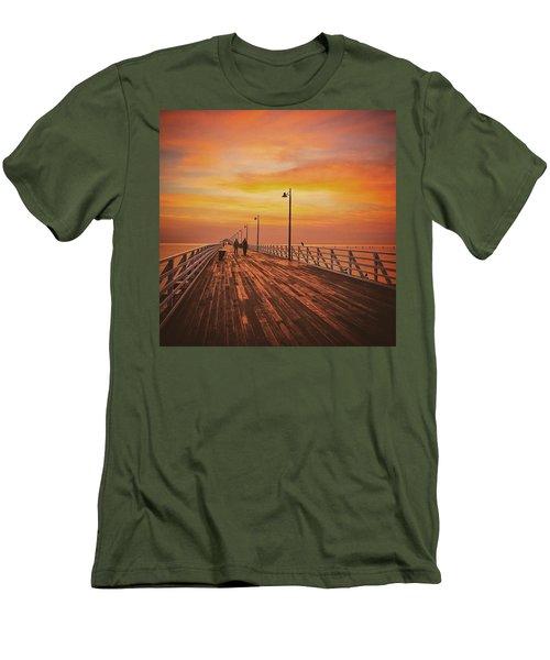 Sunrise Lovers Men's T-Shirt (Athletic Fit)