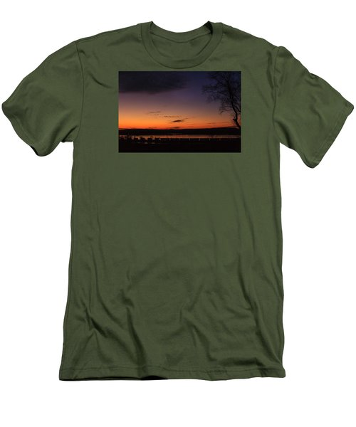Sunset On The River Men's T-Shirt (Slim Fit)