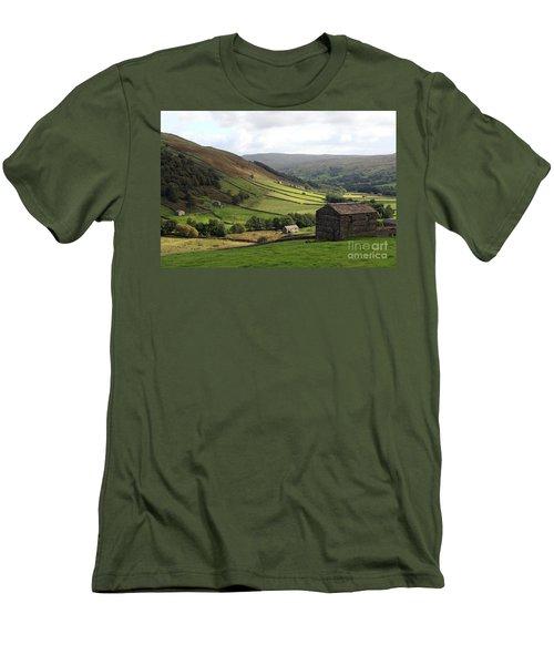 Swaledale  Yorkshire Dales Men's T-Shirt (Athletic Fit)