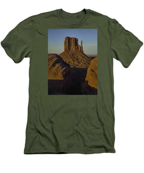 The Earth Says Hello Men's T-Shirt (Athletic Fit)