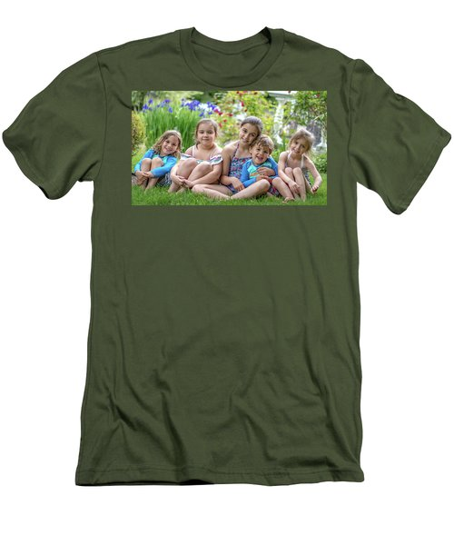 The Grand Kids In The Garden Men's T-Shirt (Athletic Fit)