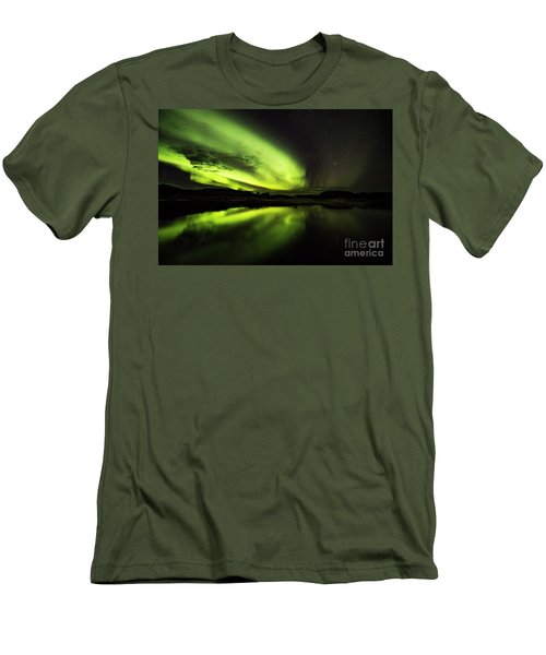 The Northern Lights Thingvellir Men's T-Shirt (Athletic Fit)