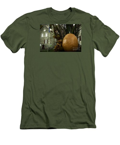 The Pumpkin. Men's T-Shirt (Athletic Fit)