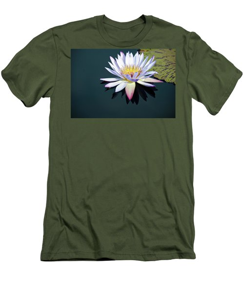 The Water Lily Men's T-Shirt (Slim Fit) by David Sutton