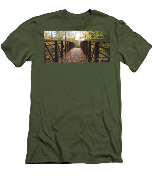 Thompson Park Bridge Stowe Vermont Men's T-Shirt (Athletic Fit)
