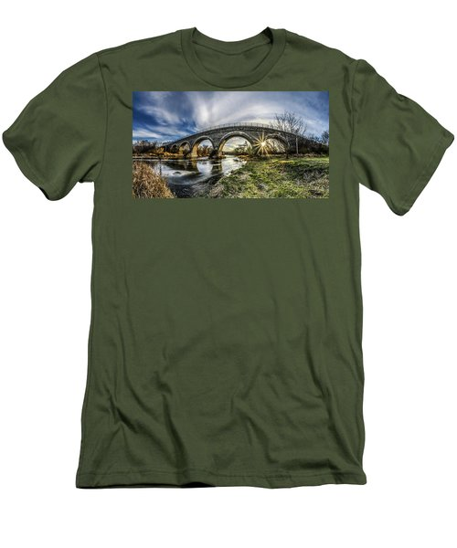 Tiffany Bridge Panorama Men's T-Shirt (Athletic Fit)