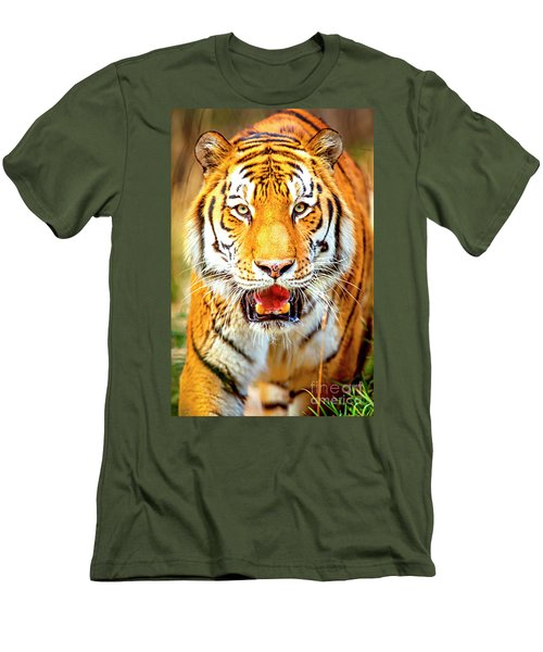 Tiger On The Hunt Men's T-Shirt (Athletic Fit)