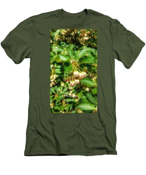 Tres Belle Men's T-Shirt (Slim Fit)