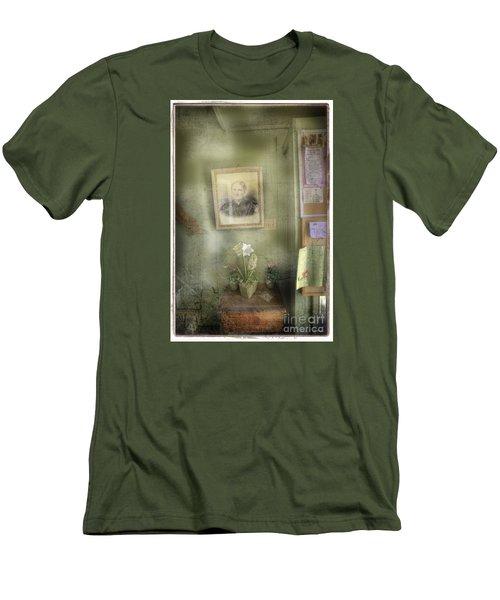 Vinalhaven Mother Men's T-Shirt (Slim Fit) by Craig J Satterlee