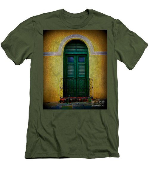 Vintage Arched Door Men's T-Shirt (Athletic Fit)