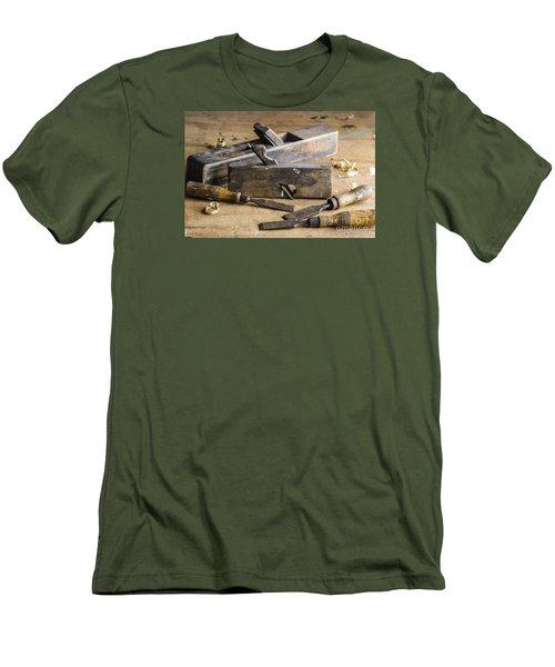 Vintage Carpentry Bench Men's T-Shirt (Athletic Fit)