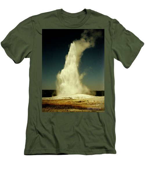 Vintage Old Faithful Men's T-Shirt (Athletic Fit)