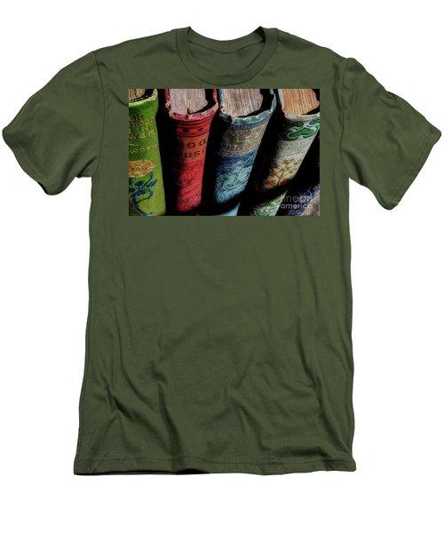 Vintage Read Men's T-Shirt (Slim Fit) by Michael Eingle