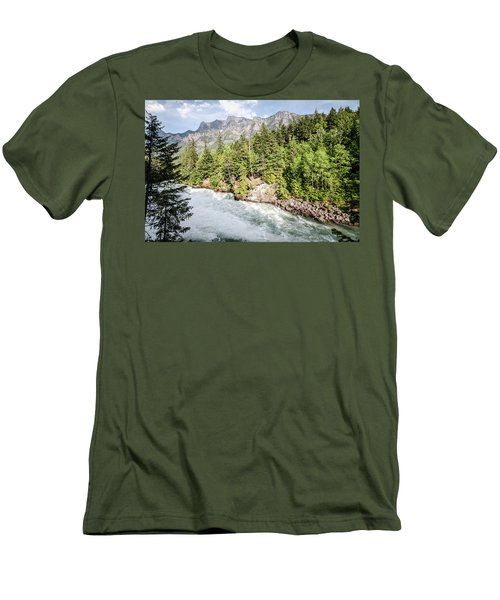 Visit Montana Men's T-Shirt (Athletic Fit)