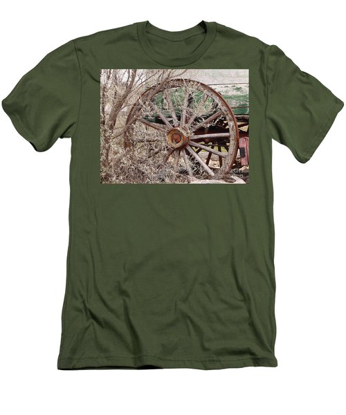 Wagon Wheel Men's T-Shirt (Athletic Fit)