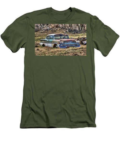 Waiting For A Tow Men's T-Shirt (Athletic Fit)