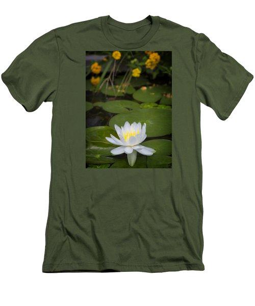 Water Lily IIi Men's T-Shirt (Slim Fit)