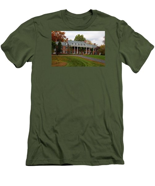 Wildwood Manor House In The Fall Men's T-Shirt (Slim Fit)