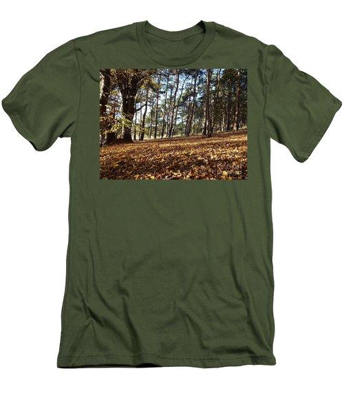 Woodland Carpet Men's T-Shirt (Athletic Fit)