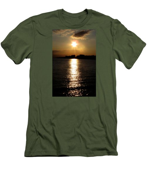 Worthing Sunset Men's T-Shirt (Athletic Fit)