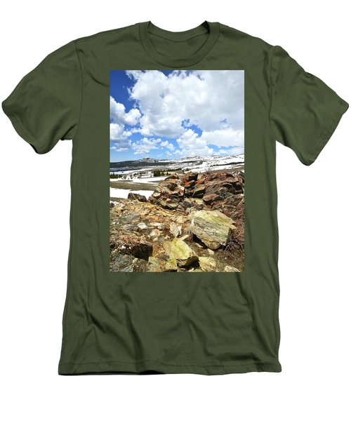 Wyoming's Big Horn Pass Men's T-Shirt (Athletic Fit)