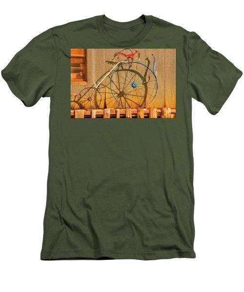 Yankey Doodle Ingenuity Men's T-Shirt (Slim Fit)