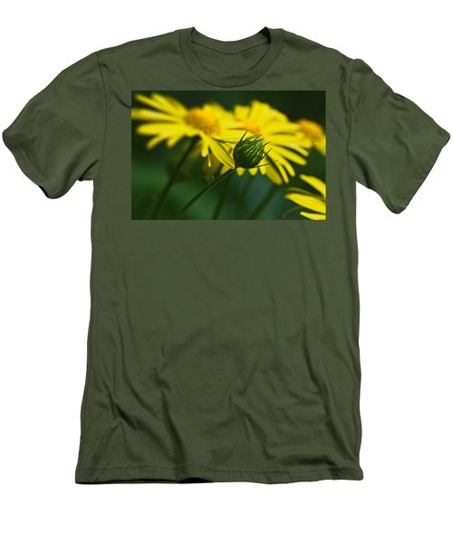 Yellow Daisy Bud Men's T-Shirt (Athletic Fit)