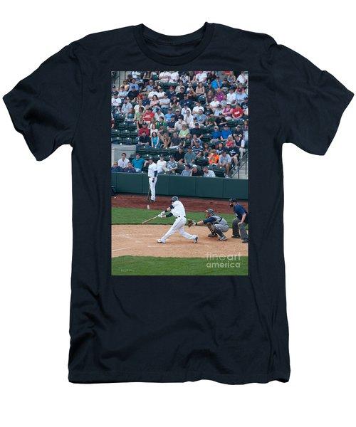 D24w-472 Huntington Park Photo Men's T-Shirt (Athletic Fit)