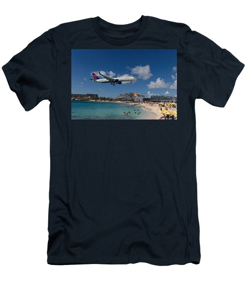 Delta Air Lines Landing At St Maarten Men's T-Shirt (Slim Fit) by David Gleeson