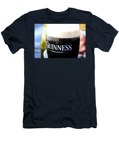 1759 Pint Men's T-Shirt (Athletic Fit)