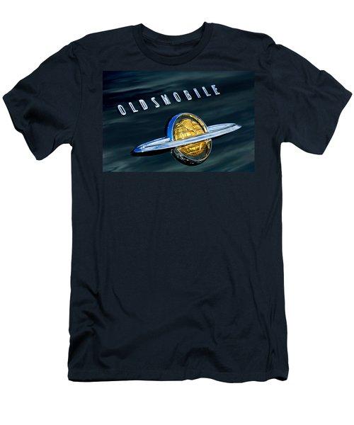 1950 Oldsmobile 88 Emblem Men's T-Shirt (Athletic Fit)
