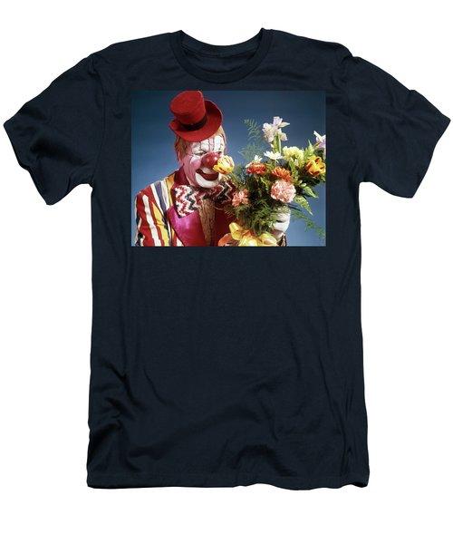 1970s Portrait Happy Circus Clown Men's T-Shirt (Athletic Fit)