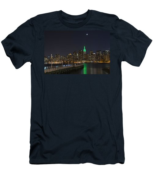 View From Gantry Plaza State Park Men's T-Shirt (Athletic Fit)