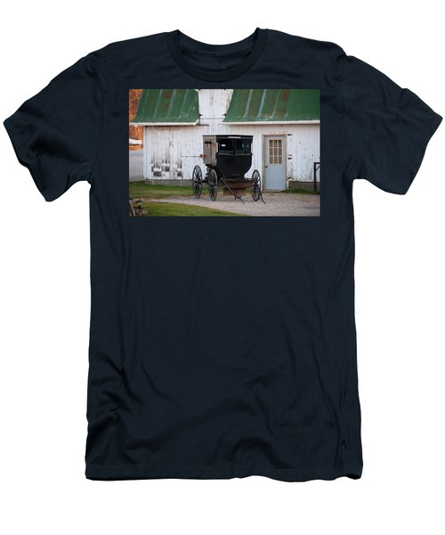 Amish Buggy White Barn Men's T-Shirt (Athletic Fit)