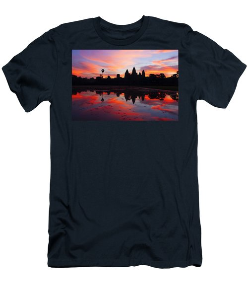 Angkor Wat Sunrise Men's T-Shirt (Athletic Fit)
