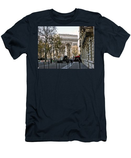 Arc De Triomphe Paris Men's T-Shirt (Athletic Fit)