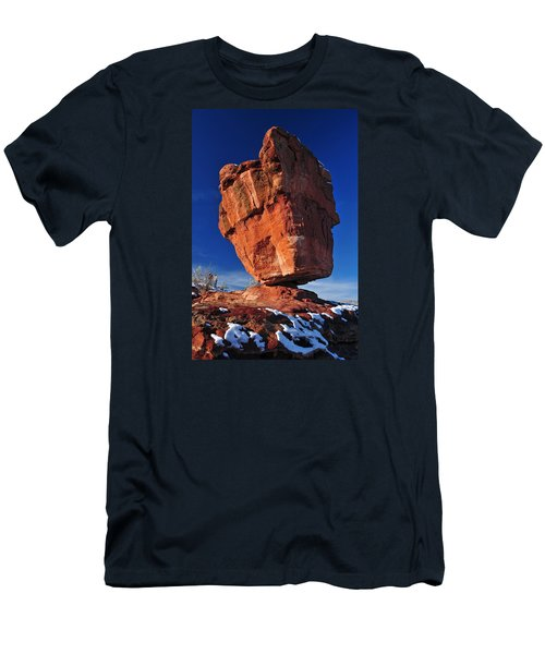 Balanced Rock At Garden Of The Gods With Snow Men's T-Shirt (Slim Fit) by John Hoffman